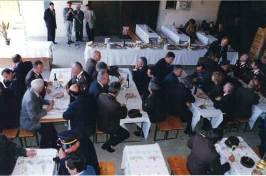 Županov sprejem v kleti posestva KG Rakičan v Kramarovcih pred kosilom
